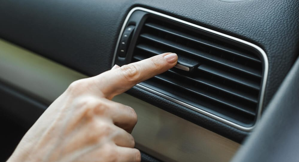 adjusting car air condition